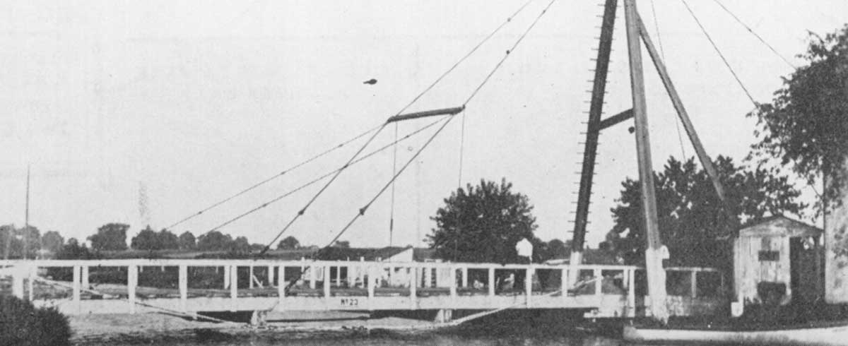 Boat with laundry hanging