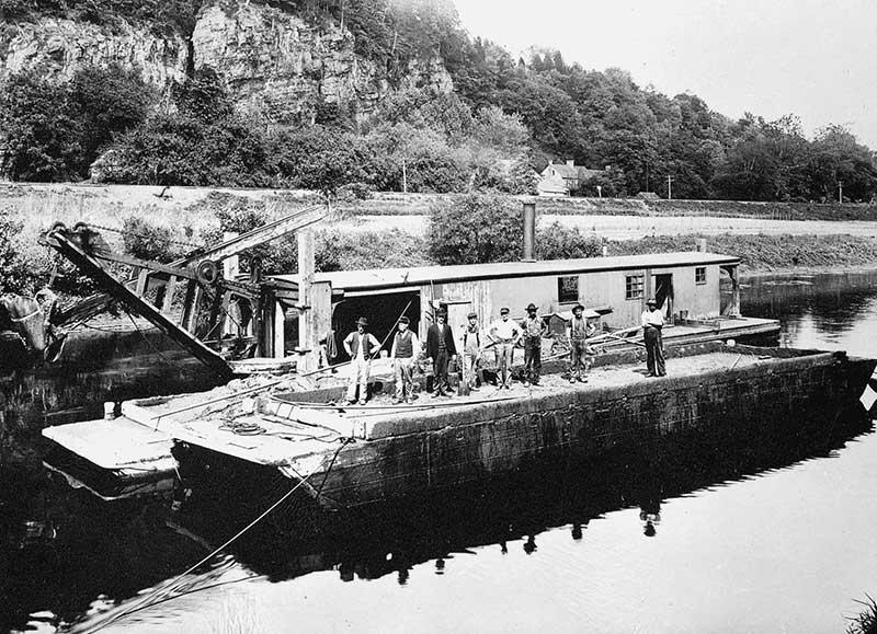 EM Company Workboat